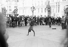 Street performer (analog) (HellAir) Tags: film analog argentique bw paris noiretblanc silver yashica electro35gx ilford hp5plus street urban performer