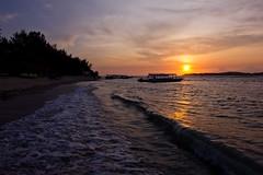 Gili Air II (Jhaví) Tags: giliair lombok indonesia playa beac atardecer sunset orange water sea mar isla explore nature