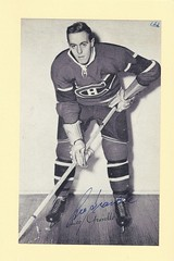 1944-63 NHL Beehive Hockey Photo / Group II - LEO GRAVELLE (Right Wing) (b. 10 Jun 1925 - d. 30 Oct 2013 at age 88) - Autographed Hockey Card (Montreal Canadiens) (#243) (Baseball Autographs Football Coins) Tags: hockey beehive 1934 1967 19341967 groupi groupii groupiii woodgrain torontomapleleafs bostonbruins newyorkrangers montrealcanadiens chicagoblackhawks detroitredwings montrealmaroons newyorkamericans card photos hockeycards brooklynamericans nationalhockeyleague nhl leogravelle rightwing