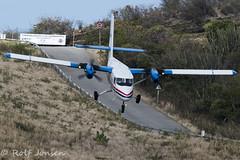PJ-WIP De Havilland Canada DHC 6-300 Twin Otter Winair Saint Barthélemy Airport TFFJ 15.03-17 (rjonsen) Tags: plane airplane aircraft flying flight approach arrival hill twin otter
