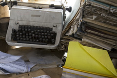 Don't stop writing (czmyras) Tags: typewriter old decay writing yellow rubbish paper papersheets sheets notes