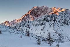 La montagna si accende (cesco.pb) Tags: simplonpass passodelsempione alba dawn sunrise alps alpi switzerland svizzera canon canoneos60d tamronsp1750mmf28xrdiiivcld montagna mountains
