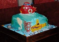 boat cake with sub (Yersinia) Tags: littlemermaid mermaid cake yersinia pirates boat submarine yellowsubmarine fish seaweed ariel
