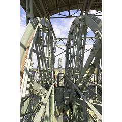 Gerädert (horstmall) Tags: winde winch förderturm fördertürme towers lift elevator aufzug kohle kohleförderung coal coalmining zeche colliery industry industrie schwerindustrie ruhrgebiet ruhrpott bövinhausen zechezollern dortmund pott nrw horstmall