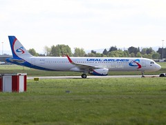 Ural Airlines                                 Airbus A321                                       EI-FXT (Flame1958) Tags: 3336 uralairlines uralairlinesa321 airbusa321 airbus a321 321 snn einn shannon shannonairport transasia 0417 2017 240417 ура́льскиеавиали́нии ural'skiyeavialinii