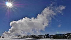 Old Faithful Erupting (Susan Roehl - 6M Views - Thanks Everyone) Tags: yellowstonenationalpark wyoming usa supervolcano oldfaithful geyser water erupting sueroehl photographictours lumixdmcgx8 12x35mmlens handheld