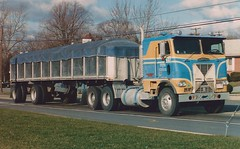 Freightliner covered wagon (PAcarhauler) Tags: freightliner coe cabover semi truck tractor trailer