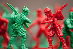 Red vs Green (Linxie) Tags: africa toy town south soldiers cape nkon d80
