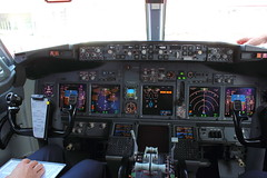 737 Cockpit (Kingsley's Ministry) Tags: cockpit boeing 737700 tuifly dahxf