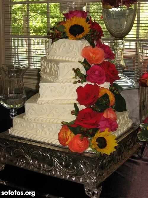 Bolo de casamento branco quadrado