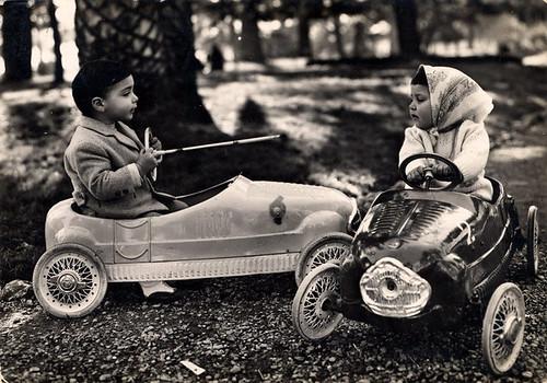 7. Auto Corsa 103. Cartolina, 1961. Collezione Piero e Pina Pini