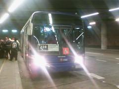 228|(M)La Cisterna-Angelmo (maria angelica nuñez oyarce) Tags: bus buses volvo urbano colectivos 228 transporte marcopolo angelmo transantiago pasajeros 7289 subus locomocióncolectiva marcopologranviale troncal2 subuschile metrolacisterna bjfj58
