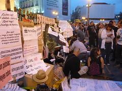 COMPAÑERXS EN APOYO DE LOS HUELGUISTAS 18O#233 (Jül2001) Tags: protest revolution revolución politica puertadelsol 15m manifestaciones protestas spanishrevolution 15mayo huelgadehambre movimientossociales indignados acampadasol actoreivindicativa motivosdealex motivosdejorge