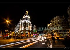 Edificio Metropolis y Gran Vía (Pogdorica) Tags: madrid luces noche nocturna metropolis rolex alcala granvia estela