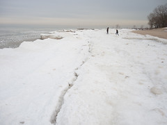 Near the Crack (Jonathan Lurie) Tags: park lake snow ice beach illinois unitedstates michigan north lakemichigan shore northshore wilmette gillson gillsonpark gillsonbeach