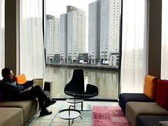 Lounge Mainport Hotel (Un tocco di zenzero) Tags: rotterdam rooterdamfoodieguide myrotterdam visitholland visitrotterdam