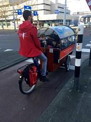 Asilo bici bus Rotterdam (Un tocco di zenzero) Tags: rotterdam rooterdamfoodieguide myrotterdam visitholland visitrotterdam