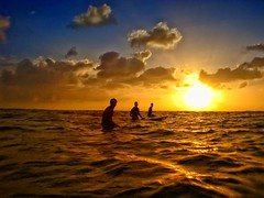 Sunset Surf (/\ltus) Tags: surf surfing hawaii waikiki sunset historyredux casio gv10