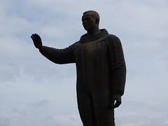 we come in peace (markus_rgb) Tags: statue denkmal astronaut kosmonaut juri gagarin karlsbad karlovy vary