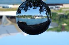 Musée des Confluences (Laetitia de Lyon) Tags: fujifilmxt10 lyon muséedesconfluences musée museum boule cristal crystalball