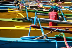 BS0I6443 (jeridaking) Tags: abuyog river outrigger bangka boat boatman color pov long lens canon 70200 28 ralph matres jeridaking fortheloveofphotography leyte labor carry loading philippines visayas