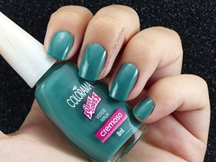 Lush Meadow - Desafio Pantone Fall 2016 (Des Manhães) Tags: nails polish unhas esmaltes verde green pantone lushmeadow colorama