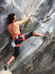 fredy holzer (Fredy Holzer ART) Tags: fredyholzer holzer climb climbing self nature naturaleza portrait retrato escalada sport deporte outdoors climbers rock montañismo trekking trekkers mente mind emocion emotion