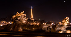 Paris aux milles étoiles - Pont Alexandre III - Paris 2017 (Un regard en photo - Pierre Photos) Tags: paris 2017 pont alexandre 3 iii night nuit trepied pose longue doré étoile étoiles france franckreich francia pierre photosh statue stair stairs