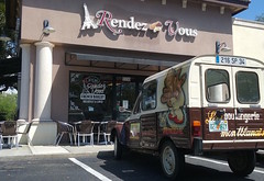 what is the issue? (lada/photo) Tags: frenchfood bakery emigrantsinamerica atouchoffrance sarasotafl ladaphoto rendezvous placestoeat citroen citroenacadian