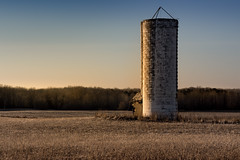 frosty field solo silo (Christian Collins) Tags: canoneos5dmarkiv silo solo frosty field camp corner sky frozen march cold wheat wheatfield shed morning amanecer old decaying