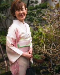 Tokyo50-39 (Diacritical) Tags: japan kagurazaka kimono tokyo april12017 leicacameraag leicamtyp240 summiluxm11435asph f14 ¹⁄₁₅₀₀sec centerweightedaverage street