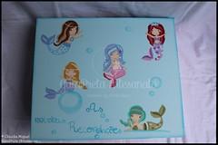 """Caixa grande """"Sweetest Mermaids"""" (GataPreta Artesanato) Tags: caixaderecordaçõesdebebé recordações caixamultiusos bebé infantil portalápis trabalhosemmadeira decoração pintadoàmão"""