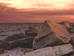 Sunset Shore (William Chils) Tags: sunset shore beach sea sand rocks stones nikond90 mellow relaxed calm water ocean