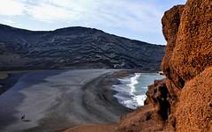 Earth Day  ( 2 ) (miriam ulivi) Tags: miriamulivi nikond3200 isolecanarie lanzarote playaelgolfo lagoverde mare sea spiaggia beach people nature rocce rocks earthday 7dwf