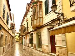 """""""Farol"""" (atempviatja) Tags: ciudadela menorca color fachadas piedra callejuela balcón calle farol"""