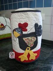 Capa de liquidificador.... (Ma Ma Marie Artcountry) Tags: galinha country patchwork cozinha costura cocós capadeliquidificador galinhacountry