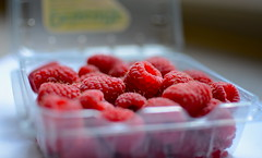 Delicious Rasberries (Eric Dewar Photography) Tags: light red food canada black colour macro cool nice berry nikon flickr berries shot bright bokeh shots united porn states mm 35 rasberry pron d80 tumblr d7000