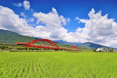 Train & Field (Singer ) Tags: bridge sky mountain tree green grass clouds composition train canon iso100 taiwan railway valley singer  ricefield   hualien   oneshot f63  extend  archbridge           1320sec        canon6d     singer186   canonef1635mmf28lusm  noon