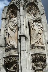Rouen, rue St-Vivien, fontaine de la Croix-de-Pierre (Ytierny) Tags: sculpture france statue vertical architecture eau place rouen normandie fontaine copie seinemaritime rollon hautenormandie rouennais croixdepierre valledelaseine ruestvivien ytierny