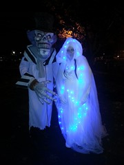 Ghostly couple (Dex1138) Tags: halloween costume october cosplay ghost salem 2013