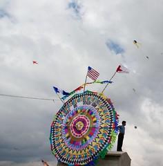Postal de Guatemala (pabesfu) Tags: naturaleza maya guatemala traditions turismo mayas cultura indigenas ancestros tradiciones mayans sacatepéquez barriletes sacatepequez guatelinda visitguatemala papilotes