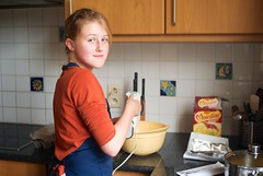 Junior cook (wtorbeyns) Tags: cooking kitchen girl mixer cook brownies jolien leicam8 voigtlandernokton35mmf14sc