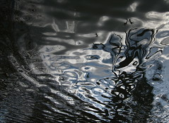 Smoke in the Water (andressolo) Tags: distortion reflection water reflections distorted ripple smoke smoking reflected reflect reflejo ripples reflejos distortions
