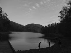 ??? (turtle.runs.fast) Tags: camping lake georgia us vision:mountain=0919 vision:outdoor=0855 vision:car=0534 vision:clouds=0951 vision:sky=0938