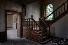 Stained Glass (LeiV Photo) Tags: abandoned stairs nikon decay exploring places forgotten deserted hdr treppen escaliers leegstand trappen verlaten forgottenglory leivphoto nikonplaces littlecourthouse