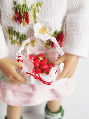 Strawberries for Litte Darling (Maria Kłopotowska) Tags: littledarling strawberry strawberries knitted knit felted green red clothes effner