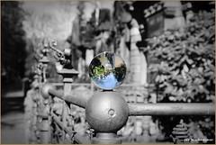 Bunte Kugel (der bischheimer) Tags: kugel glaskugel glas ball crystal friedhof canon sachsen derbischheimer dresden