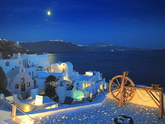blue hour in Oia (mujepa) Tags: heurebleue nuit santorin oia grèce cyclades nightshot bluehour santorini greece lune clairdelune moon moonlight
