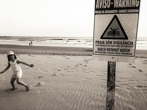 Warning #bnw #travelphotography