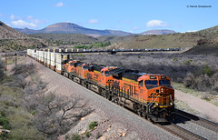 BNSF 3897 ( GE ET44C4 ) (vsoe) Tags: train railway railroad freighttrain engine züge güterzug güterzugstrecke transcon arizona az amerika america usa us bnsf